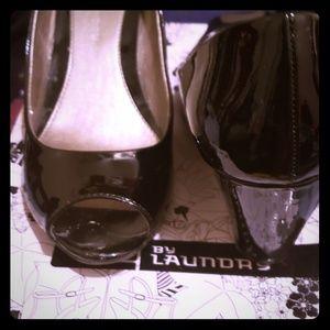 Peep toe wedge black heel